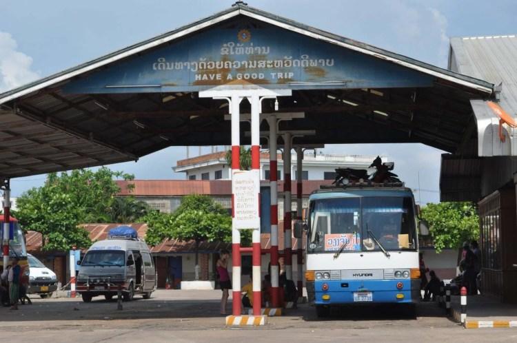 station bus thakhek - laos