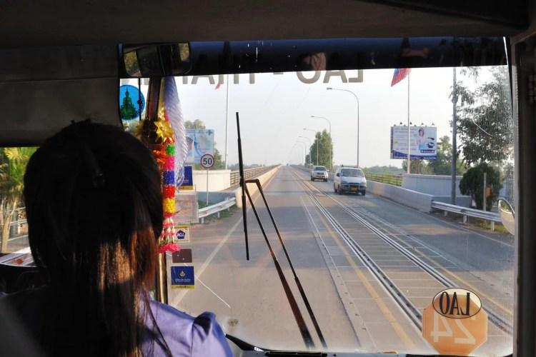 unique chemin de fer laos pônt amitie lao-thai