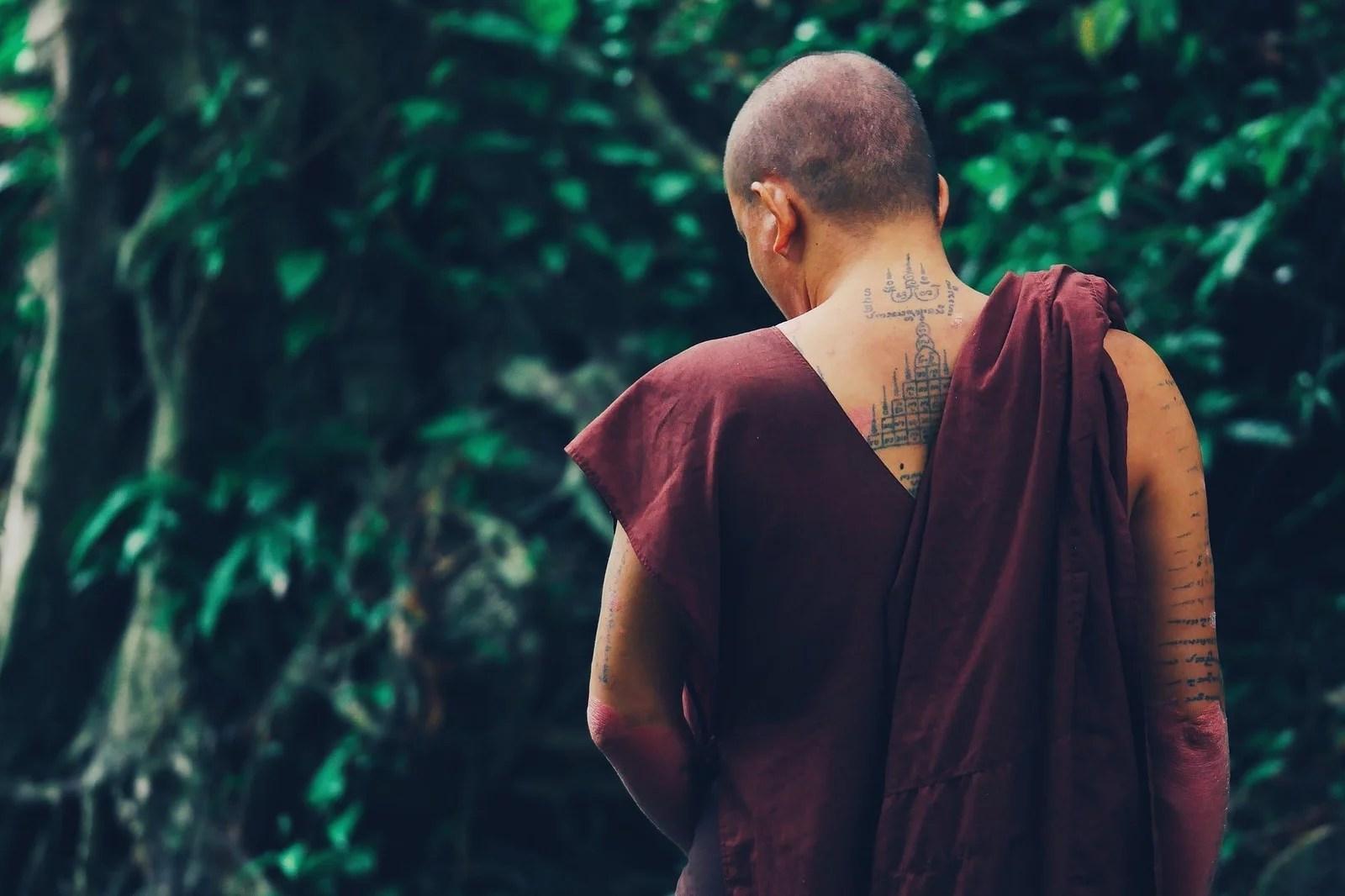 moines avec un sak yant