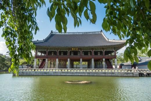 gyeonghoeru pavilion gyeongbokgung seoul