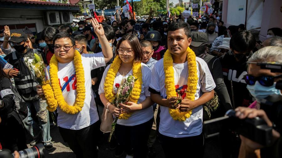Les manifestants thaïlandais font l'histoire mais ne parviennent pas à plier le gouvernement aux demandes