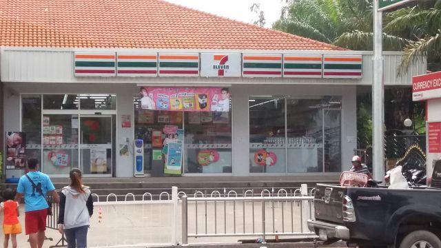 Lucky escape as truck wheel crashes into 7-Eleven in Chon Buri