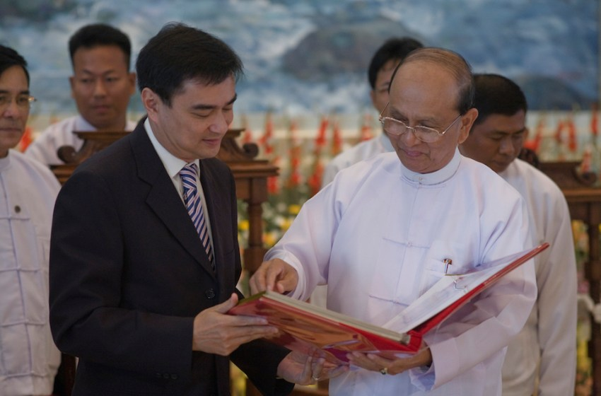 Abhisit to ask NACC to probe ex-defence minister Sukumphol