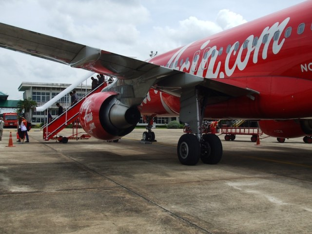 AirAsia flight returns to Don Mueang