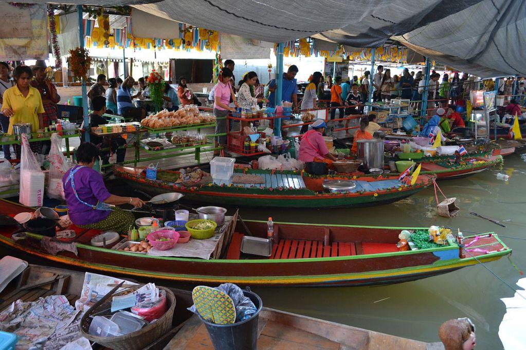 Water market in Ayutthaya