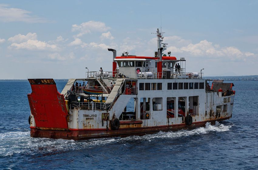 """The ferry """"KMP Trima Jaya 9"""" in the Bali Strait"""