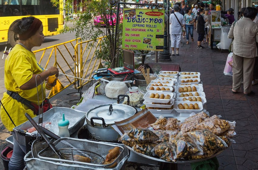 Twofresh markets in Bangkok closed after traders and workers found infected with COVID-19