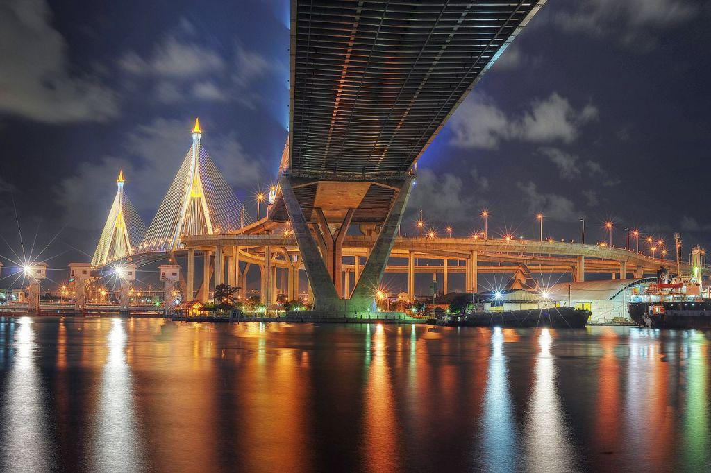 The Bhumibol Bridge in Bangkok at night