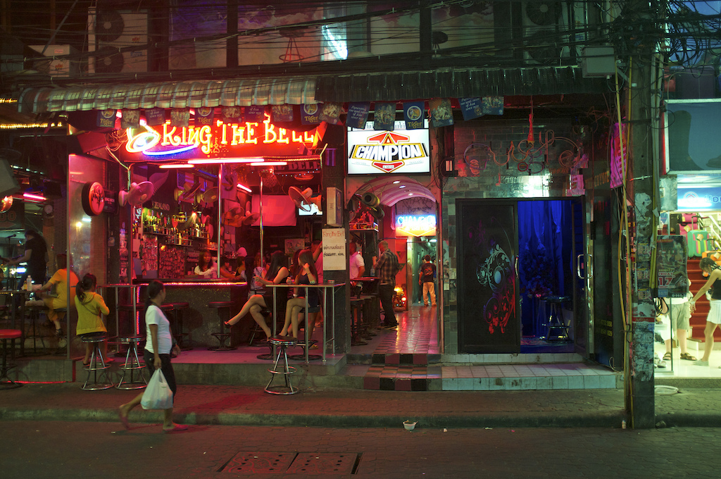 Pattaya Soi 6 bar raided, police allege prostitution and underage