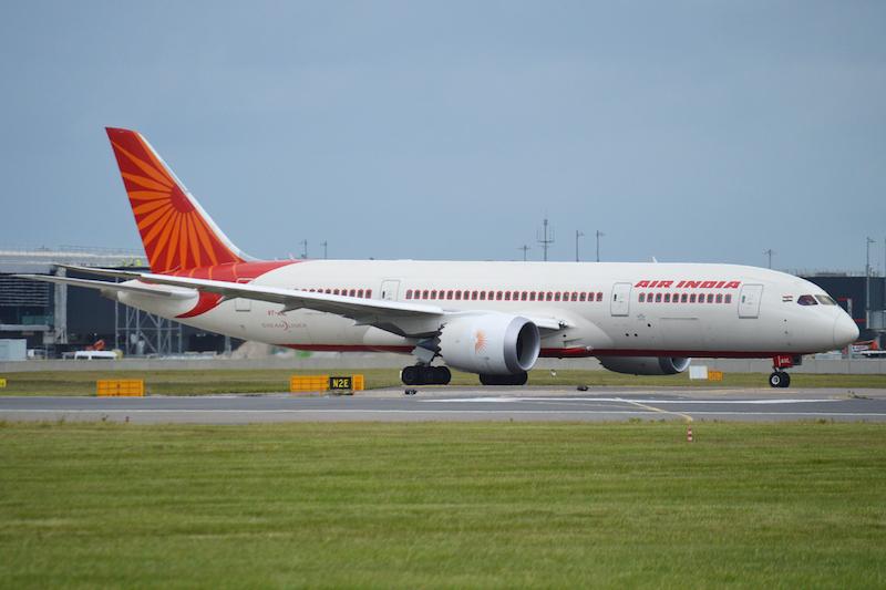 Boeing 787-8 Deamliner 'VT-ANL' Air India on flight AIC116 to Delhi