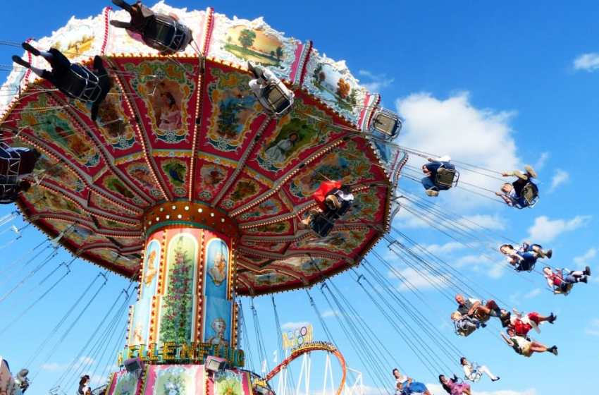 Four children seriously injured in horrific carnival ride accident in Lopburi