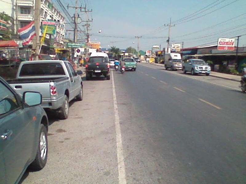 Road in Bang Pakong District, Chachoengsao