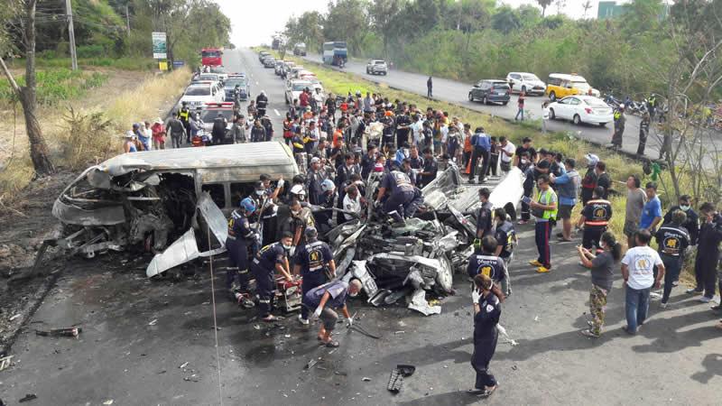 Minivan-pickup accident in Chonburi