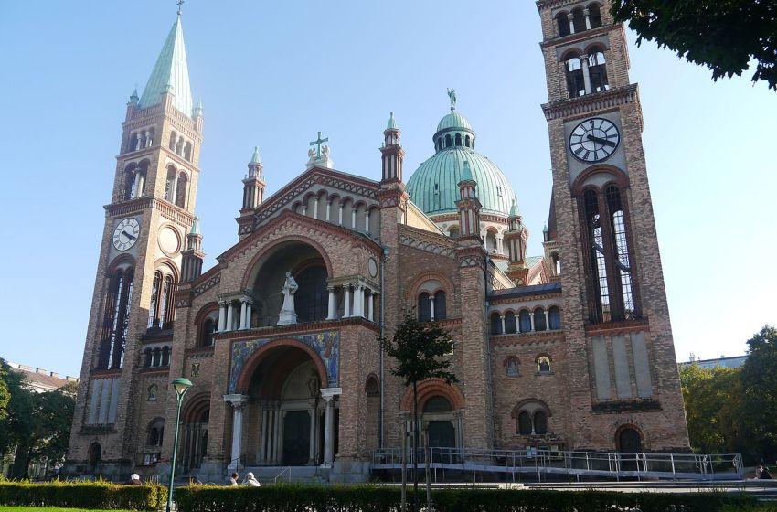 Facade of the Church of St. Anthony of Padua, Vienna