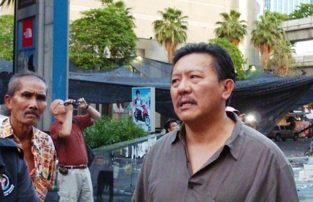 Chuwit demands goverment take action to stamp out prostitution in Thailand