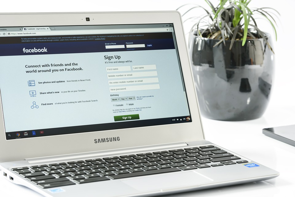Facebook on a Samsung laptop