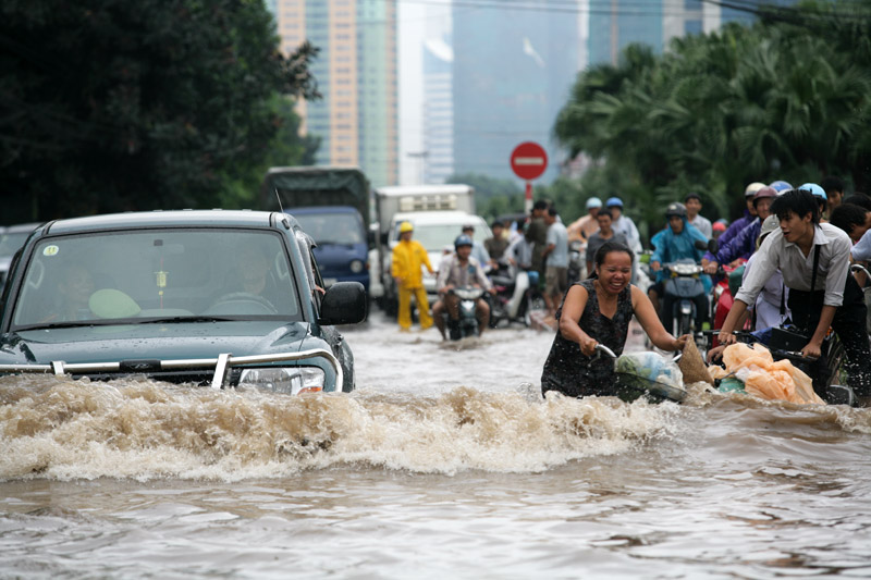 Thai provinces facing floods as storm Conson makes landfall in Vietnam