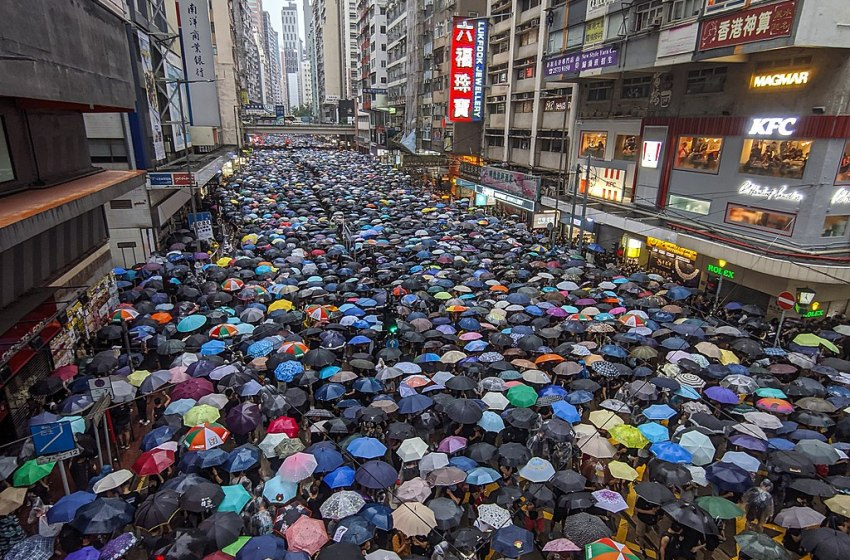 Protesters march against the 2019 Hong Kong extradition bill