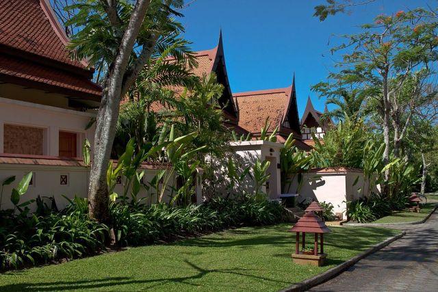 Brazilians allege theft of B400k of items from luxury Phuket villa