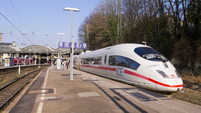 Cologne-Frankfurt Service in Germany Suspended After Train Fire – Deutsche Bahn