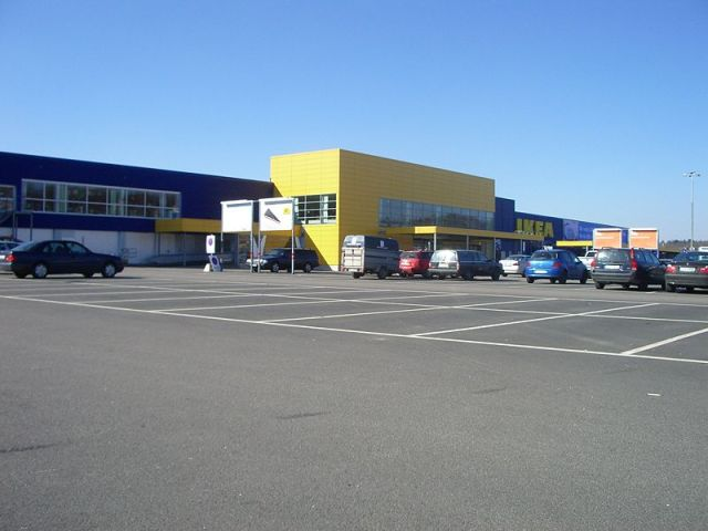 Muslim Asylum Seeker Beheads IKEA Shopper in Sweden