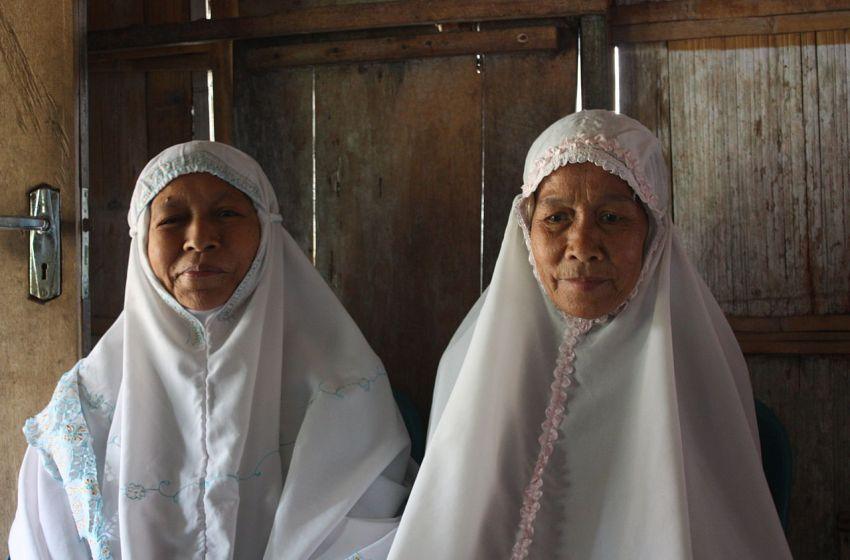 Muslim women in Indonesia