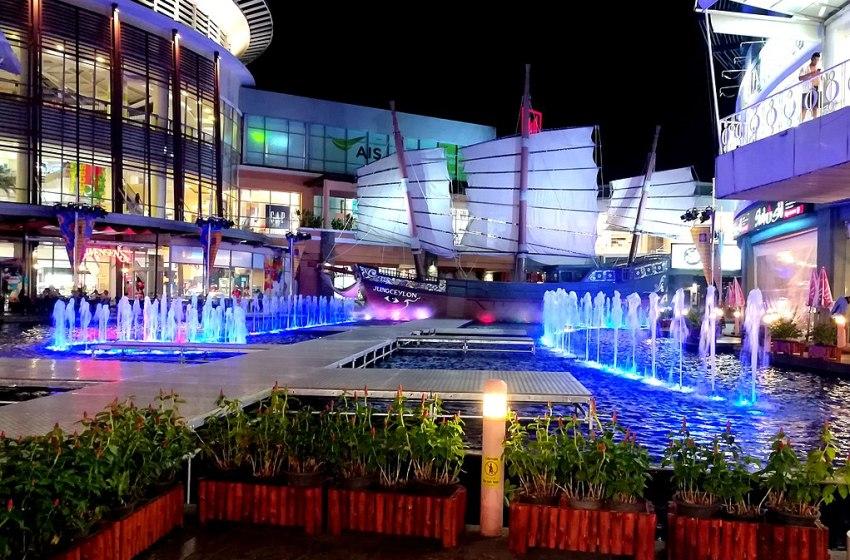 Jungceylon shopping centre in Patong, Phuke