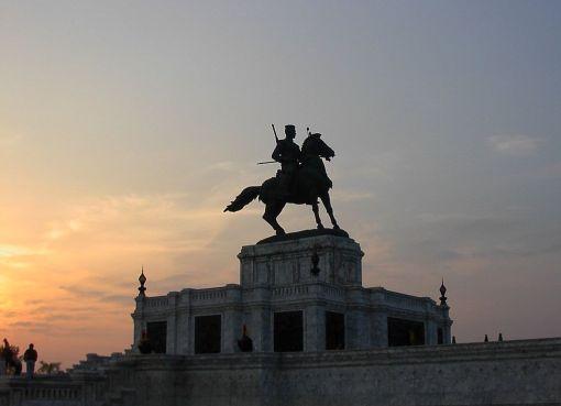 King Naresuan statue, Ayuthaya