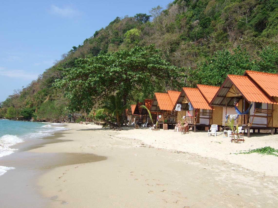 Koh Chang resort sues American expat over bad review