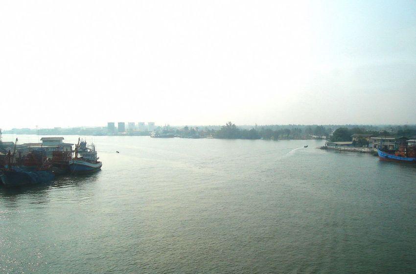 Police probing Bangkok man's river 'suicide'