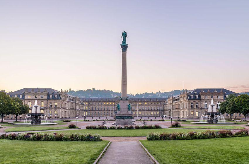 Neues Schloss (new palace) in Stuttgart, Germany