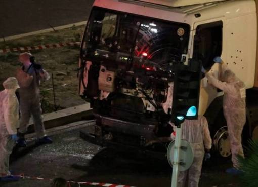 Image of the truck that crashed into a crowd in Nice, France