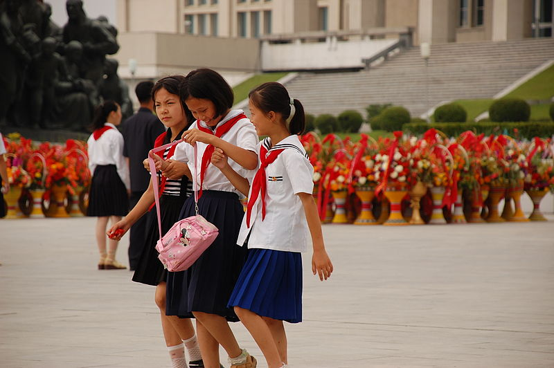 North Korean schoolgirls