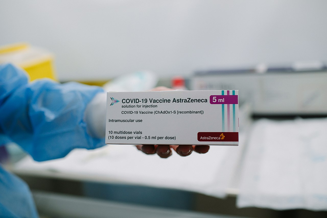 Senior Thais and Expats Will Receive AstraZeneca Vaccine Shipped from Japan