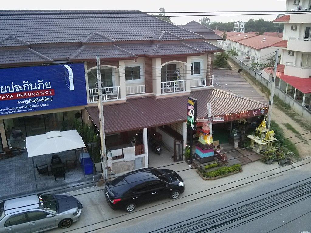 Street in Nong Prue, Bang Lamung District
