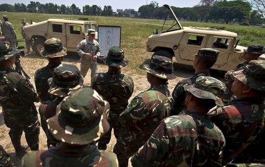 Philippine and US Military Police training