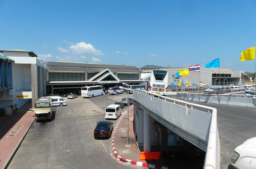 First Group of Foreign Tourists Arrive in Reopened Phuket