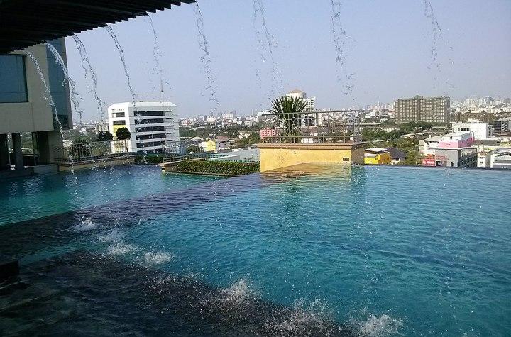 Pool on the top of a building in Hua Mak, Bangkok