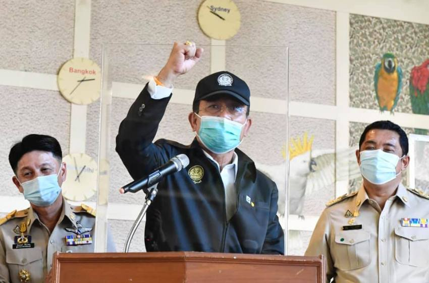 Prayut tells police to take legal action against COVID-19-infected people who conceal their movements