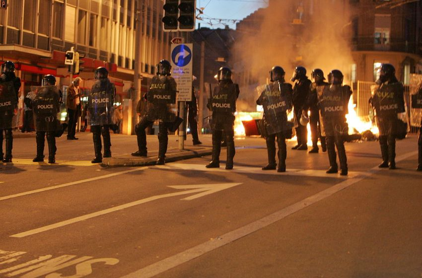 Second day of riots in Nantes, France, over the death of a young man shot by police