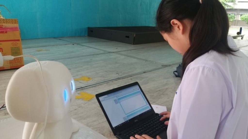 Robot Teaching Assistant at Chulalongkorn University
