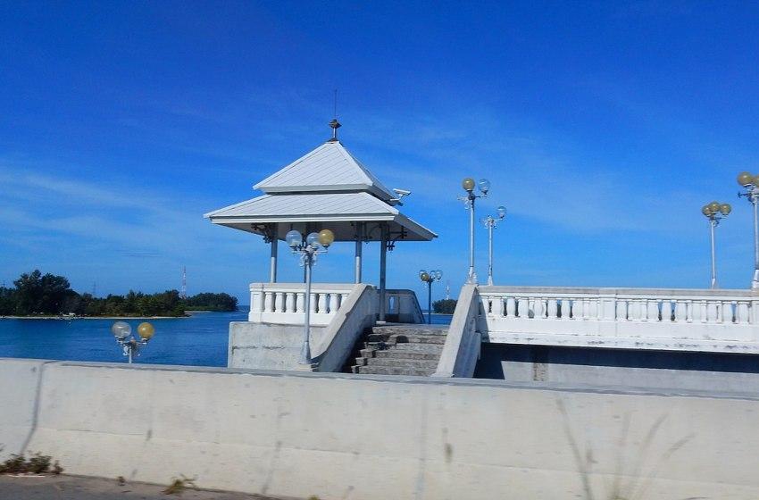 The Sarasin Bridge connecting the mainland of Phuket and Phang Nga