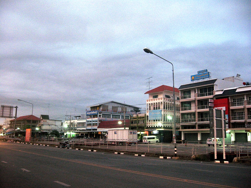Sing Buri Market viewed from the main road