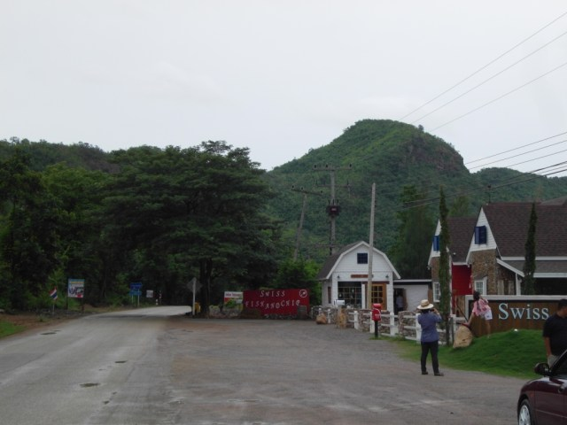 Parents suspect murder in death of Muay Thai daughter