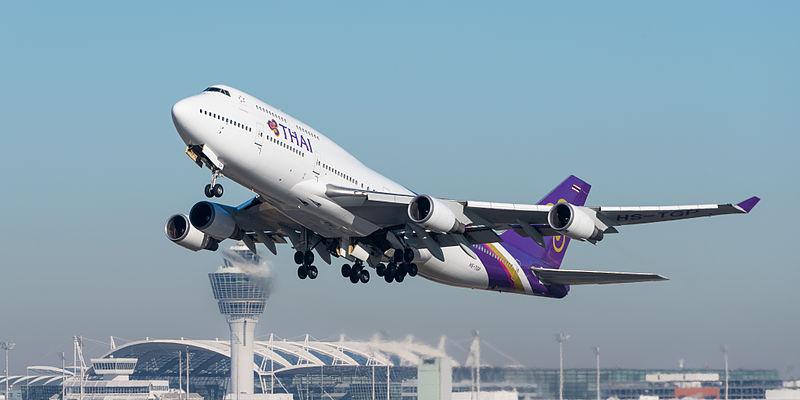 Thai-Airways Boeing 747-4D7 taking off at Munich Airport