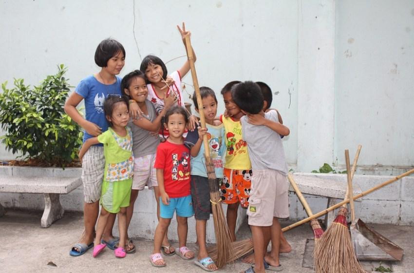 Children Celebrate National Children's Day