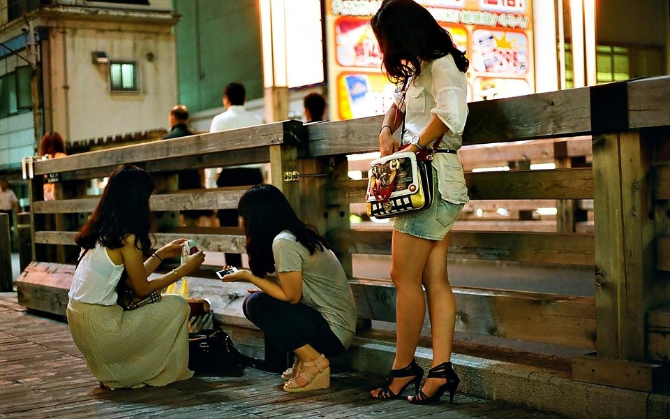 Thai girls on the street