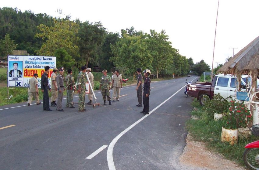 Thai Police checkpoint in Huaikhot,, Uthai Thani