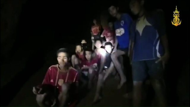 Thai Navy SEAL releases video of underwater rescue in Tham Luang cave