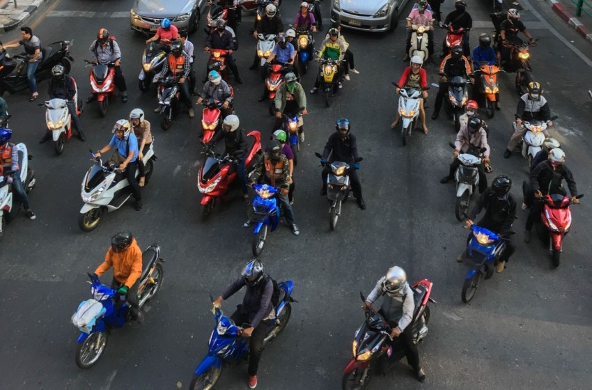 52 street racers caught in Ayutthaya